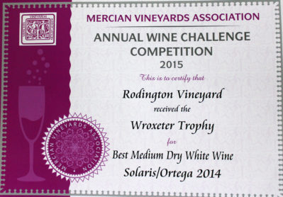 rodington-best-medium-dry-white-wine-wroxeter-trophy